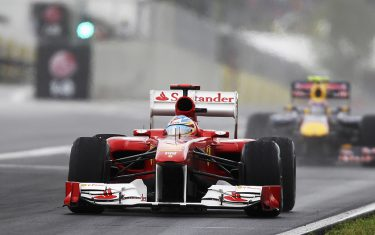 BUDAPEST, HUNGARY - JULY 31:  Fernando Alonso of Spain and Ferrari drives during the Hungarian Formula One Grand Prix at the Hungaroring on July 31, 2011 in Budapest, Hungary.  (Photo by Mark Thompson/Getty Images)