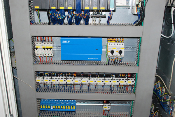 the skf machine tool observer mtx evolution online 3 skf machine tool observer mtx mounted in an electrical cabinet