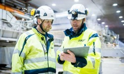 SKF's application engineer Magnus Bellander (left), and SKF Region and Key Account Manager Anders Lövgren.