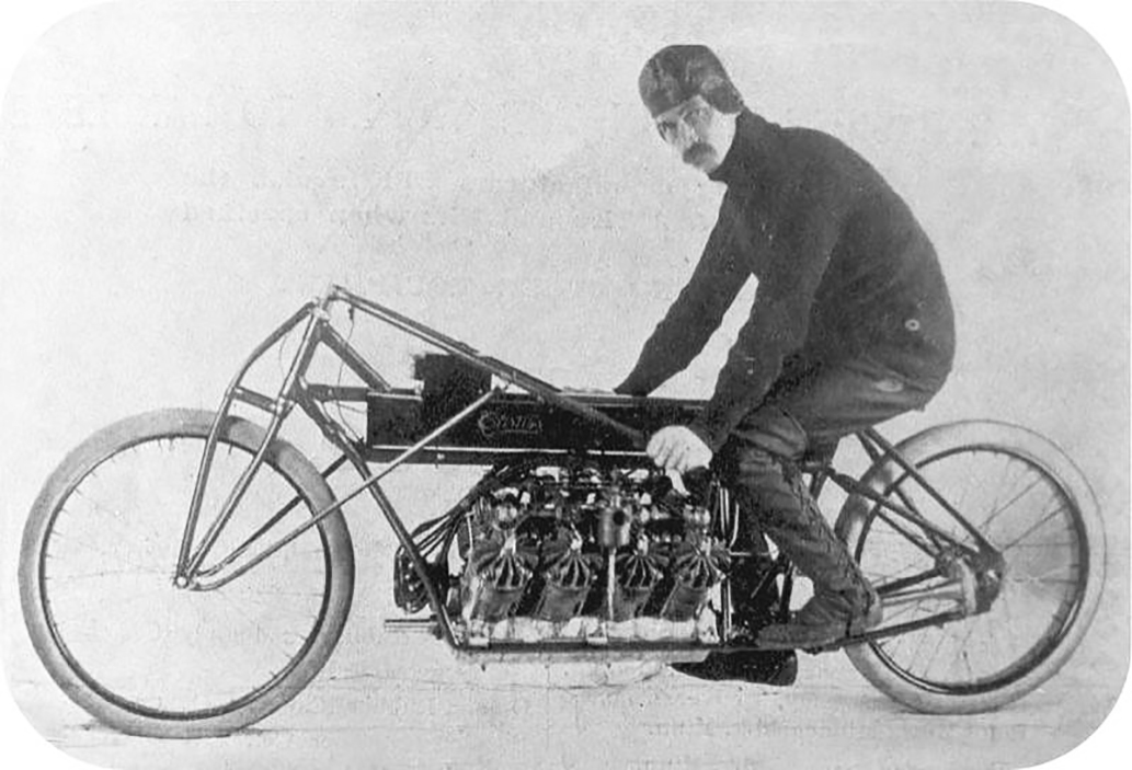 Fig. 2: In 1907, Glenn Curtiss set the world speed record, 220 km/h, on a motorbike.