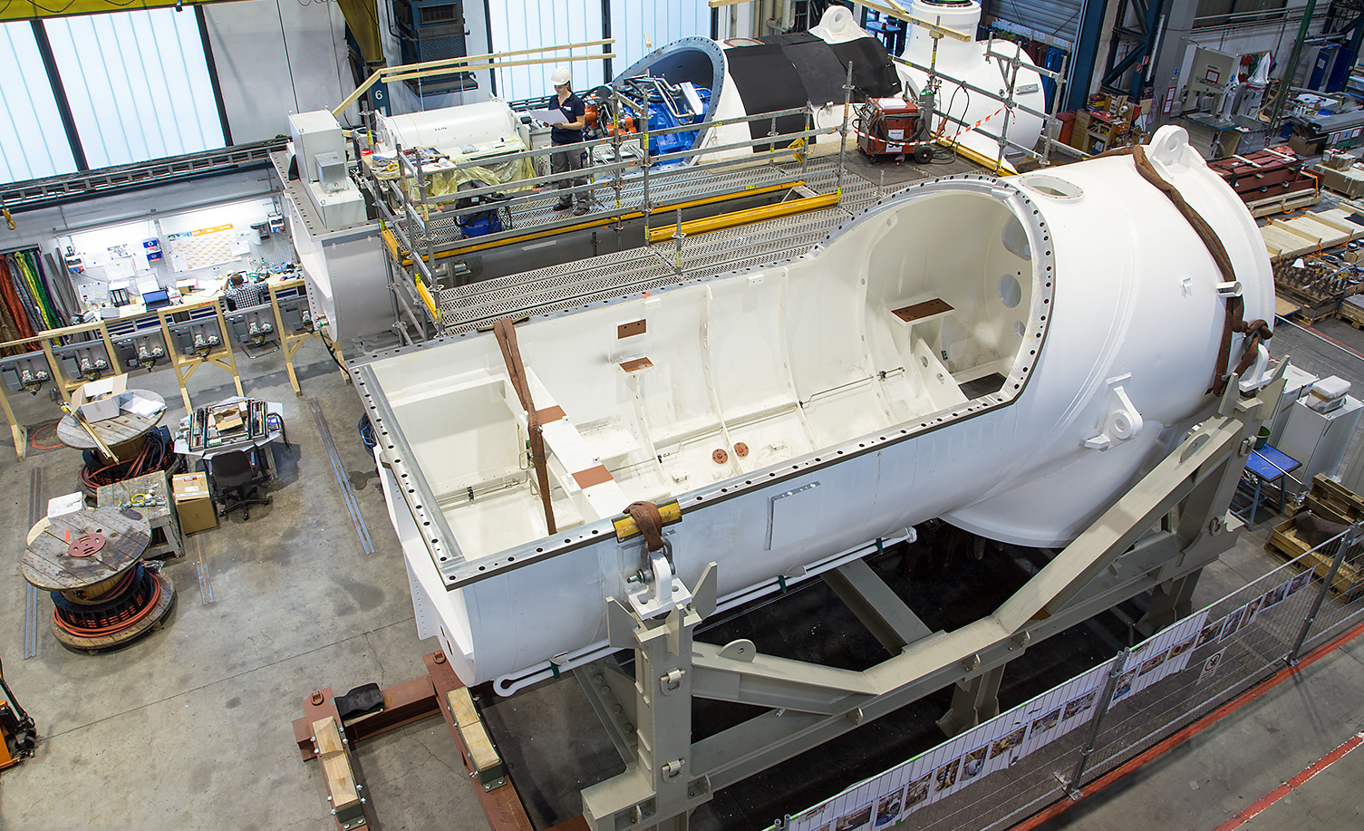 Assembly of two tidal turbine nacelles at the ANDRITZ HYDRO plant in Ravensburg, Germany.