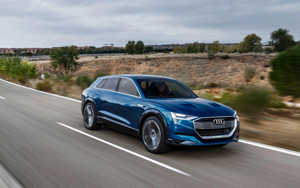 Vůz Audi e-tron quattro koncept.