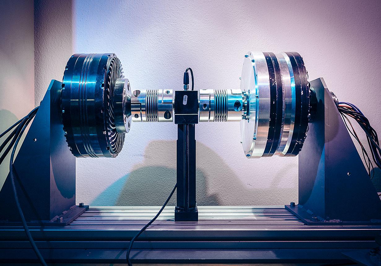 Мотор GEM на испытательном стенде.