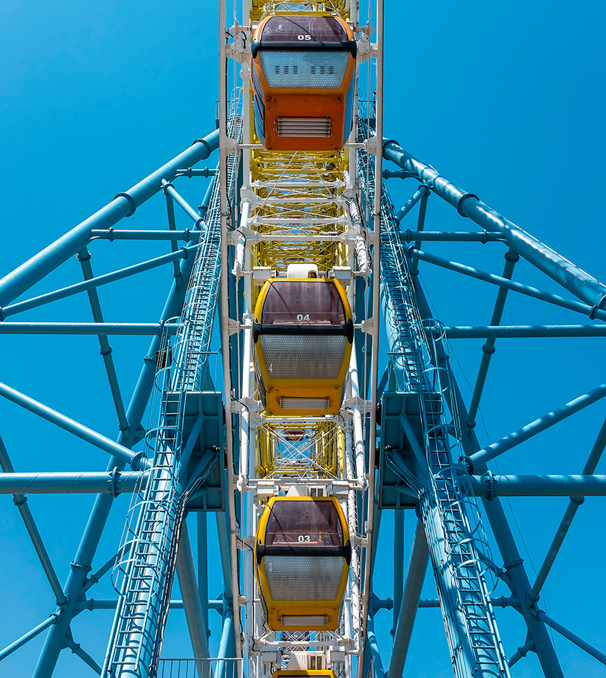 Mtatsminda Ferris wheel with SKF spherical roller bearings.