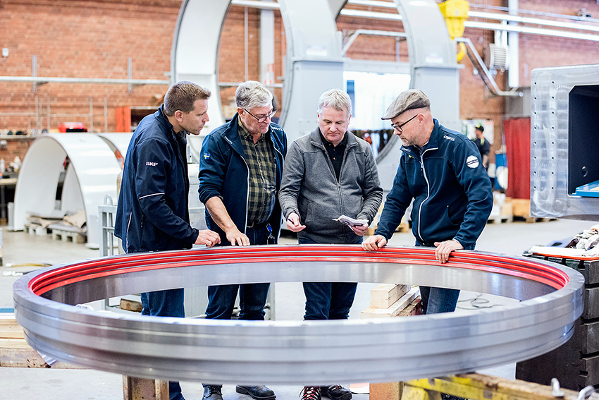 SKF custom-made bearing being prepared for mounting at the Epiroc plant in Smedjebacken, Sweden.