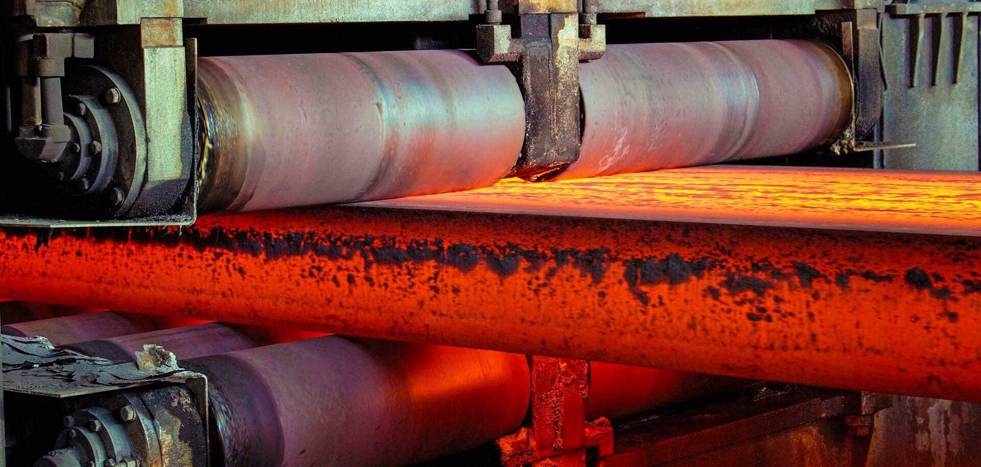 Подшипники для машин непрерывного литья заготовок (МНЛЗ) работают в чрезвычайно тяжёлых условиях и крайне загрязнённой среде.
