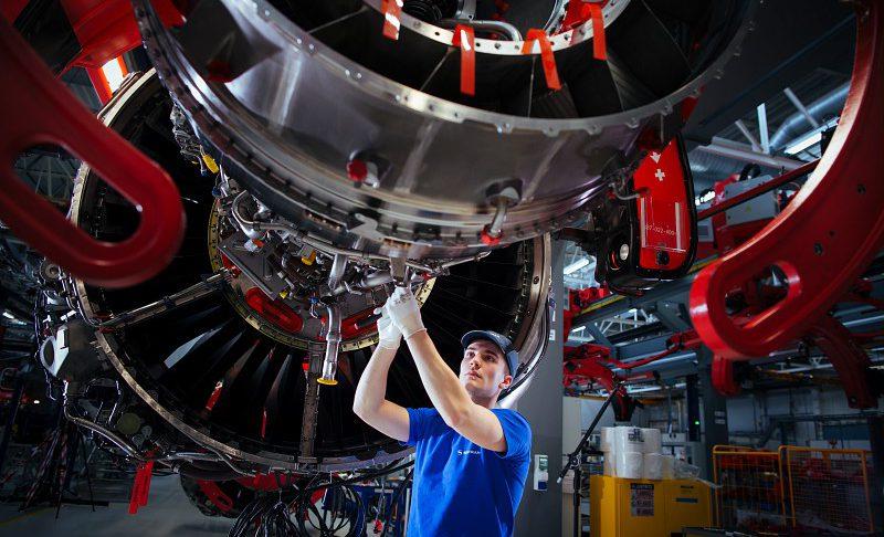Assemblage final d'un moteur LEAP-1A.