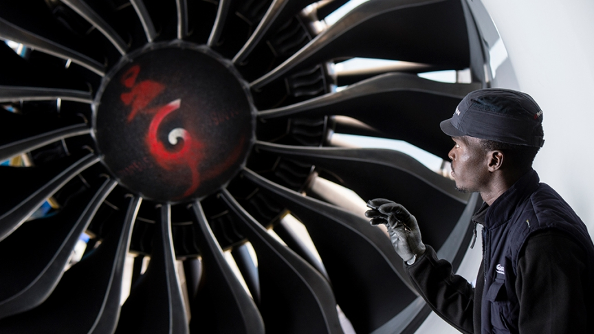 Le moteur LEAP est équipé de 18 aubes en composite très résistant.