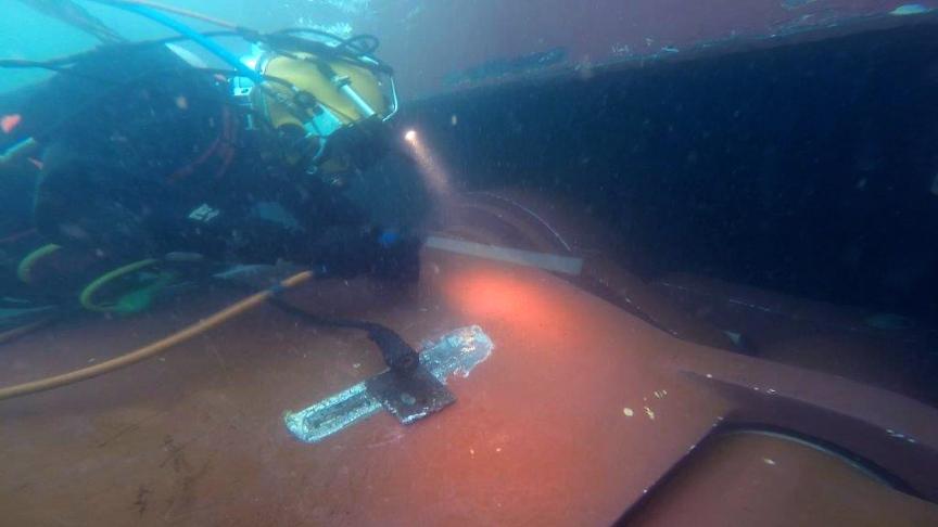 Sustitución submarina de aleta estabilizadora de SKF