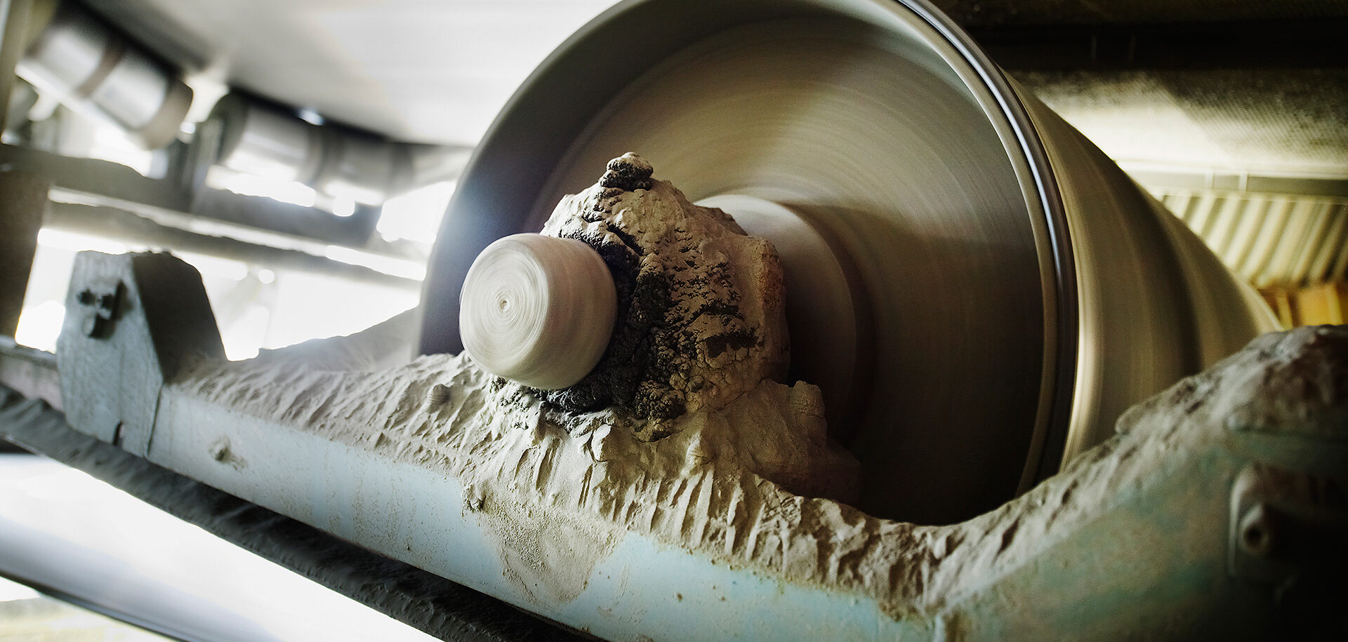 Contamination is a major cause of bearing wear, which ultimately leads to bearing failure.