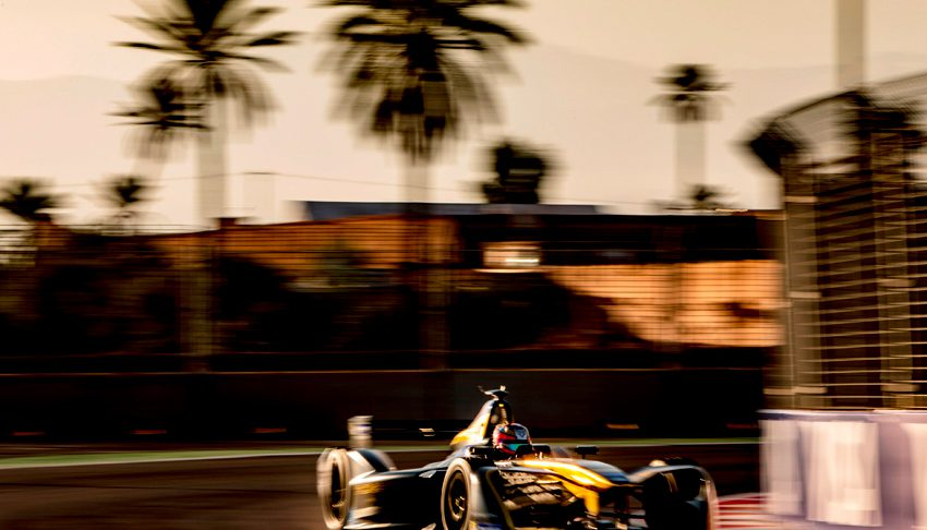 Jean-Eric Vergne, Renault Z.E 16, durante l'E-Prix di Marrakesh del Campionato FIA di Formula E, disputato sul Circuit International Automobile Moulay El Hassan di Marrakesh, in Marocco, il 12 novembre 2016.